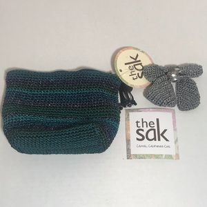 The Sak Bags - The SAK makeup bag NWT removable broach bow clip